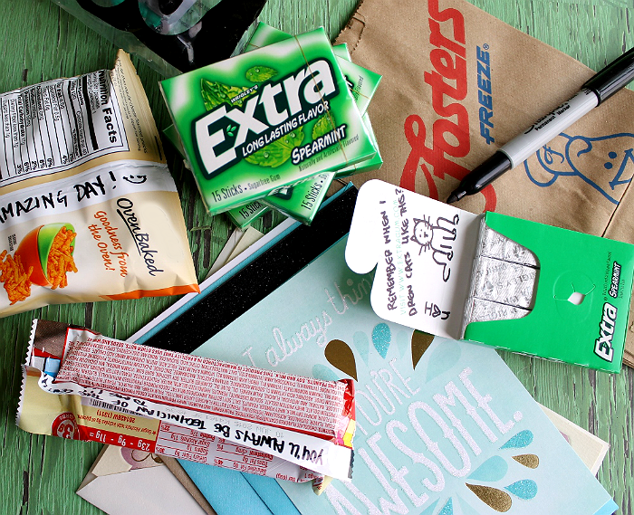 Create #ExtraGumMoments when you make a sack lunch for someone who has done extra. Draw on the inside of packs of Extra gum for an Extra special smile every time they open it up! #Shop