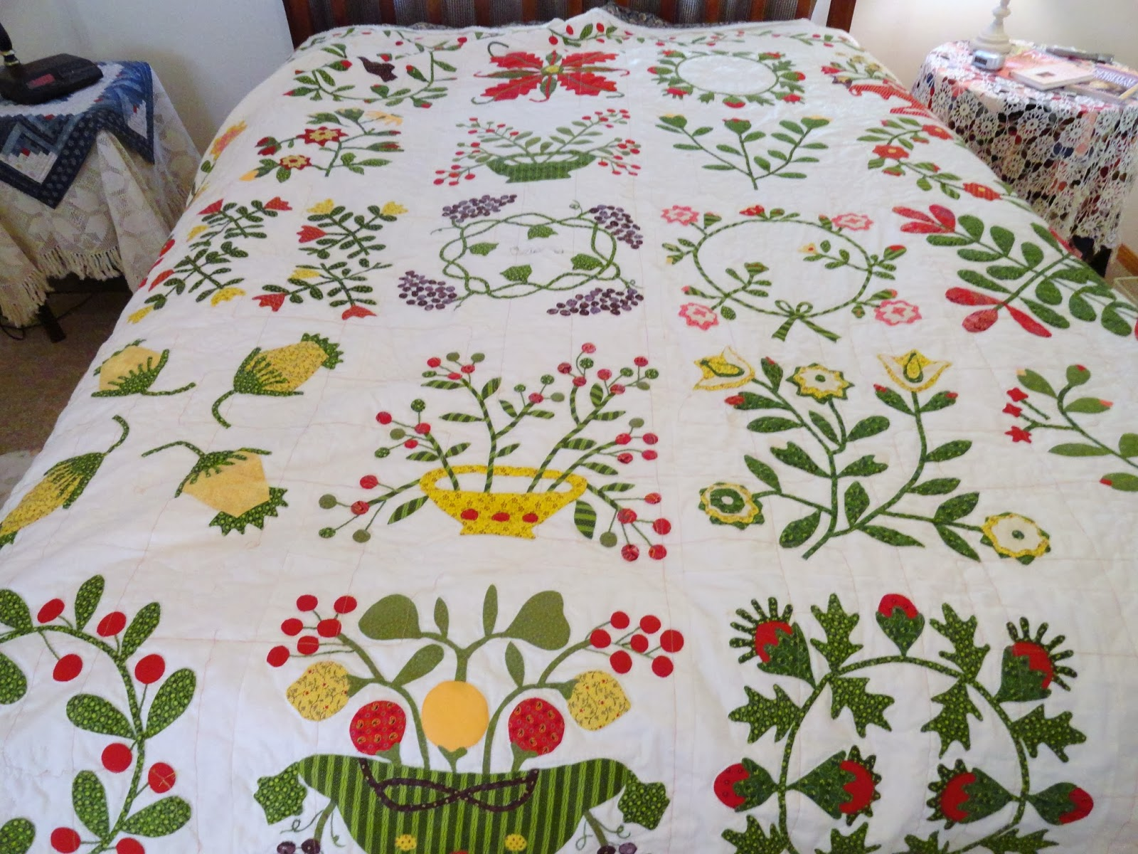 Humble Quilts: Still Hand Quilting