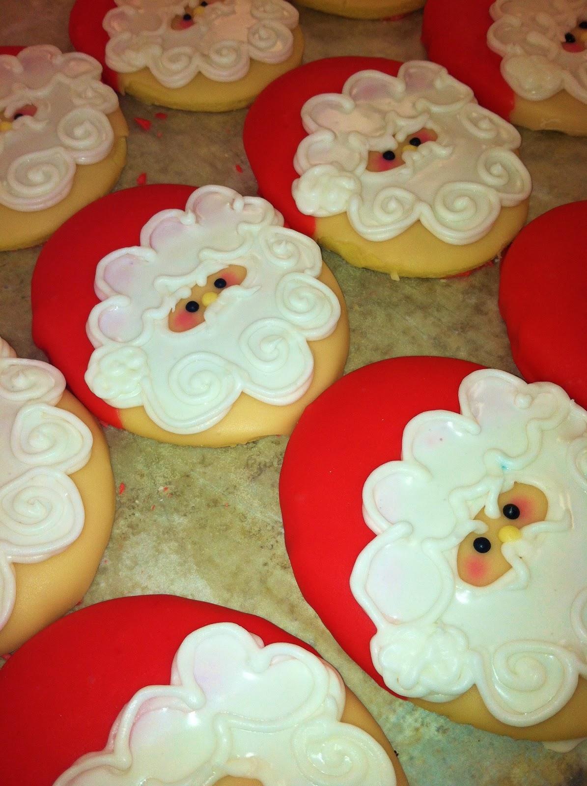 Lola Pearl Bake Shoppe Santa Vs Elf Christmas Cookie Battle Royale