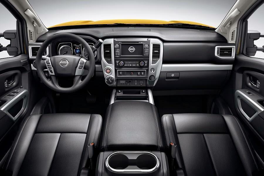 Nissan Titan XD Crew Cab (2016) Dashboard