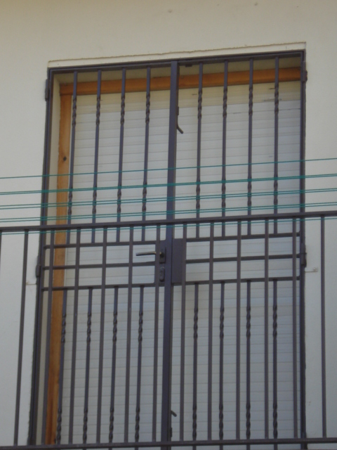 Escaleras de interior a medida escaleras de interiores - Rejas de hierro para puertas ...