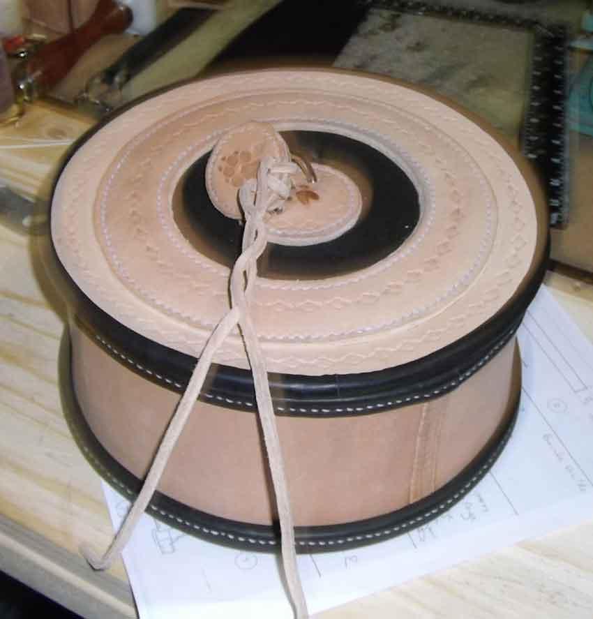 Boite en cuir les cuirs gautier artisan fran ais for Boite a couture en cuir