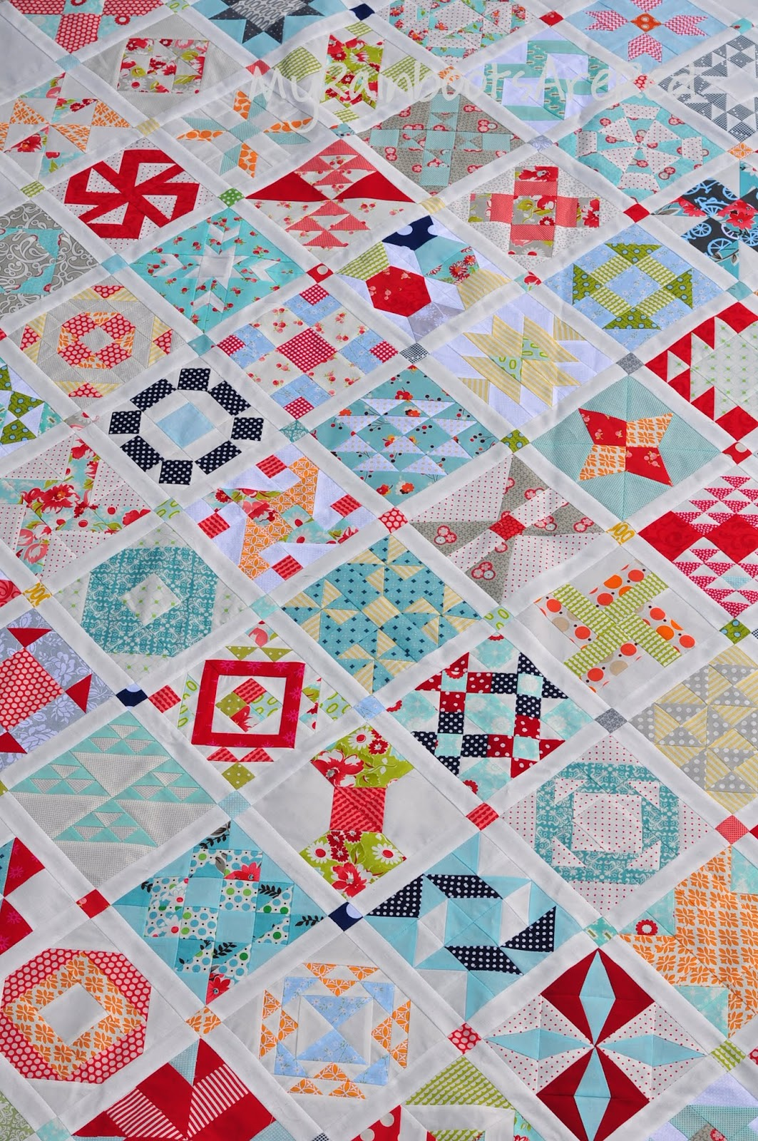 My Rainboots Are Red: :: Yep...this farmer's wife is a beauty : the farmers wife quilt - Adamdwight.com