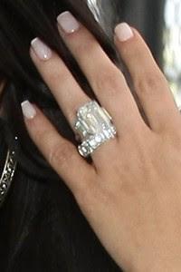 A aliança e o anel de noivado de Kim Kardashian