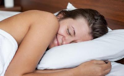 Tidur Telanjang Bermanfaat Kesehatan Tak Terduga