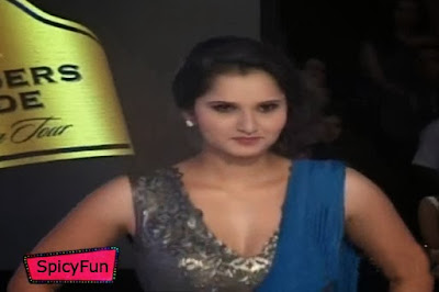 Sania Mirza is Doing Catwalk in Hot Getup