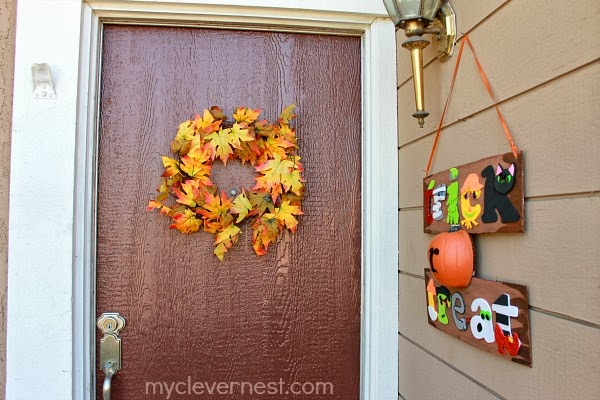 Trick or treat sign from Clever Nest. so cute! #spookyspaces #myclevernest #halloween