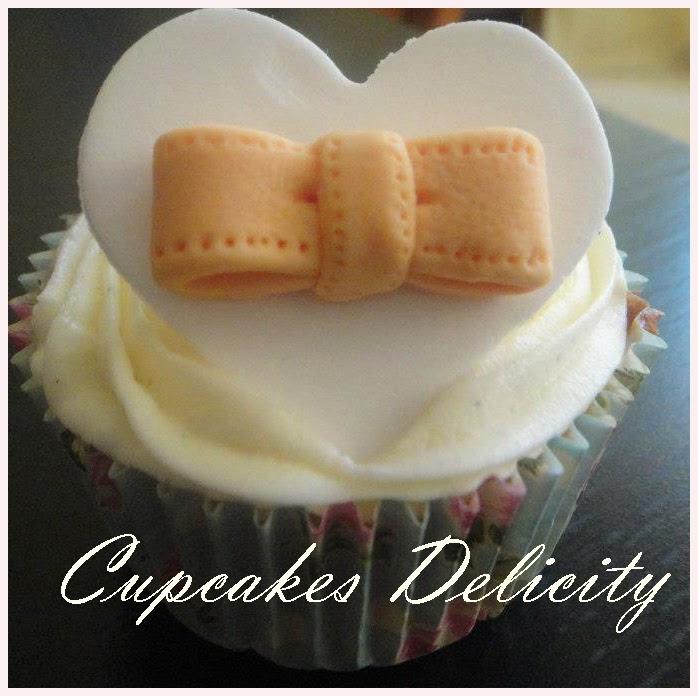 http://cupcakesdelicity.blogspot.com.es/2013/06/receta-de-pastillaje.html