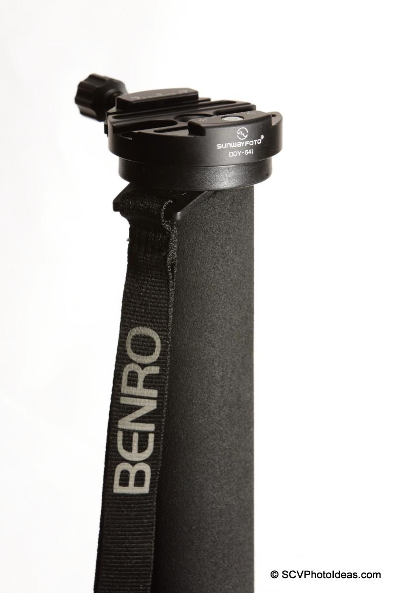 Sunwayfoto DDY-64iL Discal QR clamp on Benro MA-96EX monopod