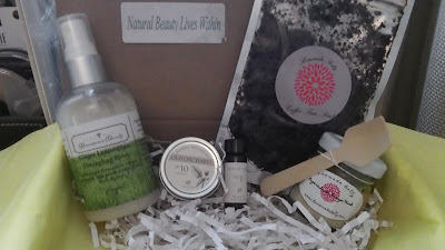 Organic Natural Cruelty free Vegan Paleo Beauty Box