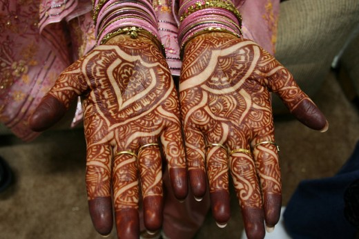 Girl Vs Boy Fashion Hand Fill Mehndi