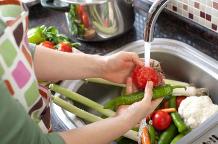 Revolusi Ilmiah - Mencuci buah dan sayuran dengan benar