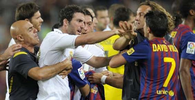 Parah Fans Barcelona Irak Penggal Kepala Fans Madrid !!!!