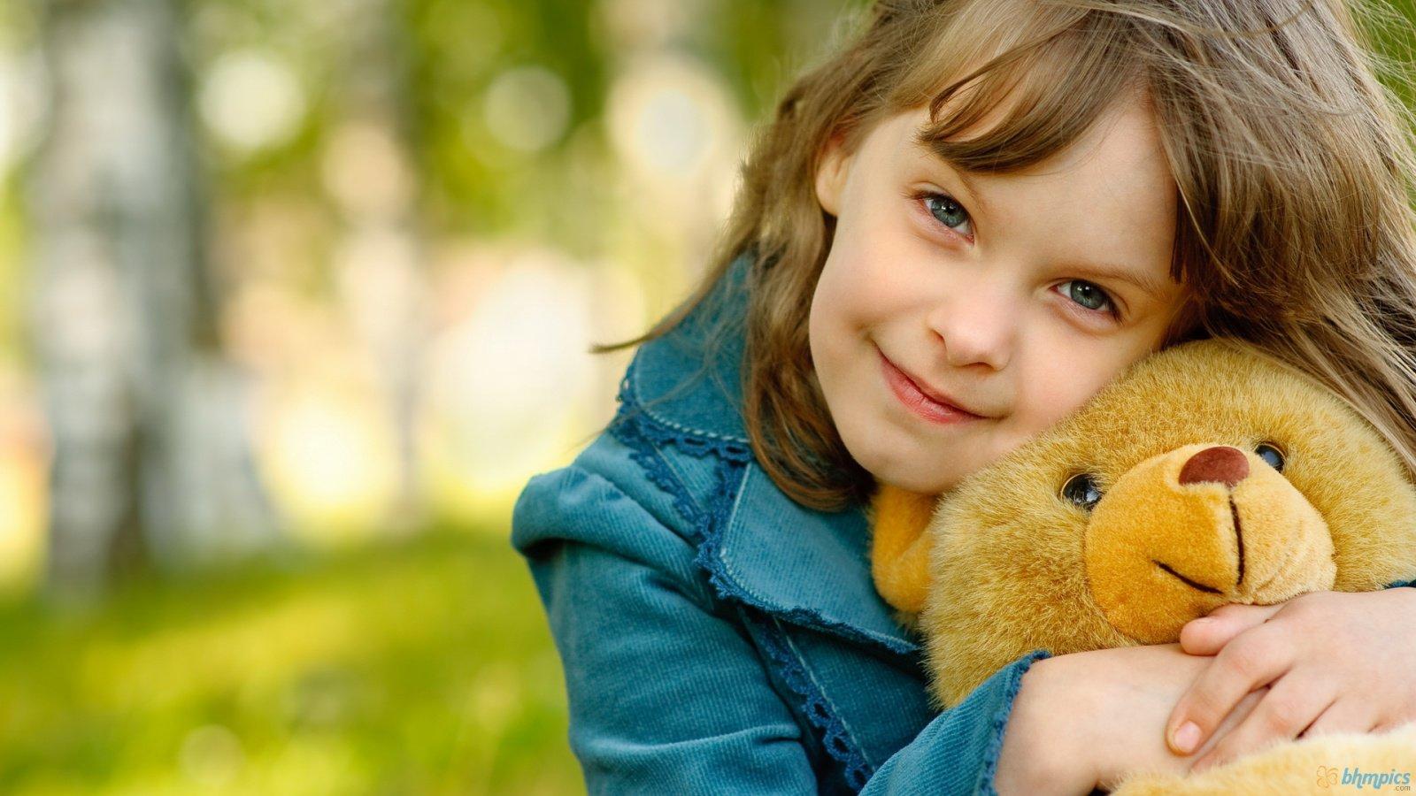 nice baby girl with her teddy bear hd wallpaper | cute little babies