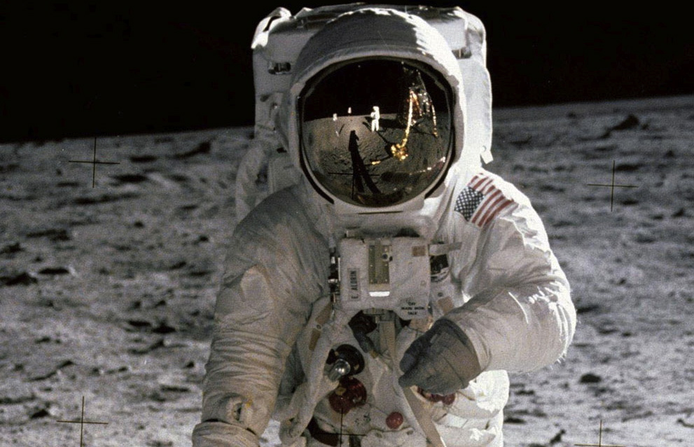 neil armstrong in spacecraft - photo #20