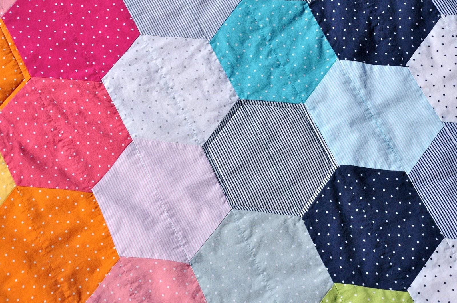 Yellow Cherry Fashion : Hexagon Quilt