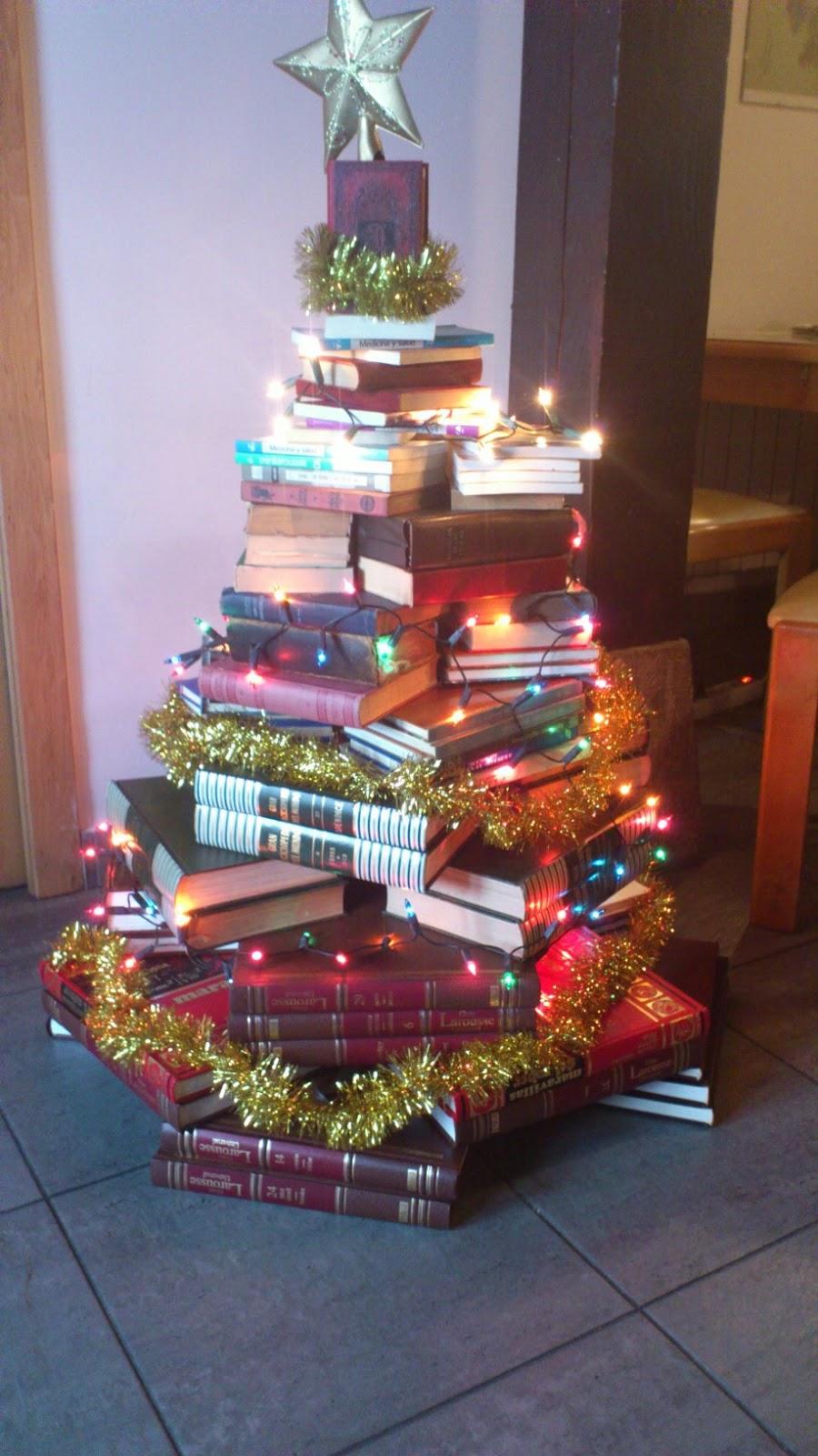 Baldosas de colores un rbol de navidad diferente - Arboles de navidad colores ...