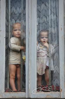 Ajutați acești copii să uite de foame