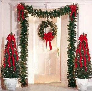 tambin hay muchas formas de decorar la puerta principal de tu hogar esta vez la idea que con ustedes es la decoracin con pequeos rboles