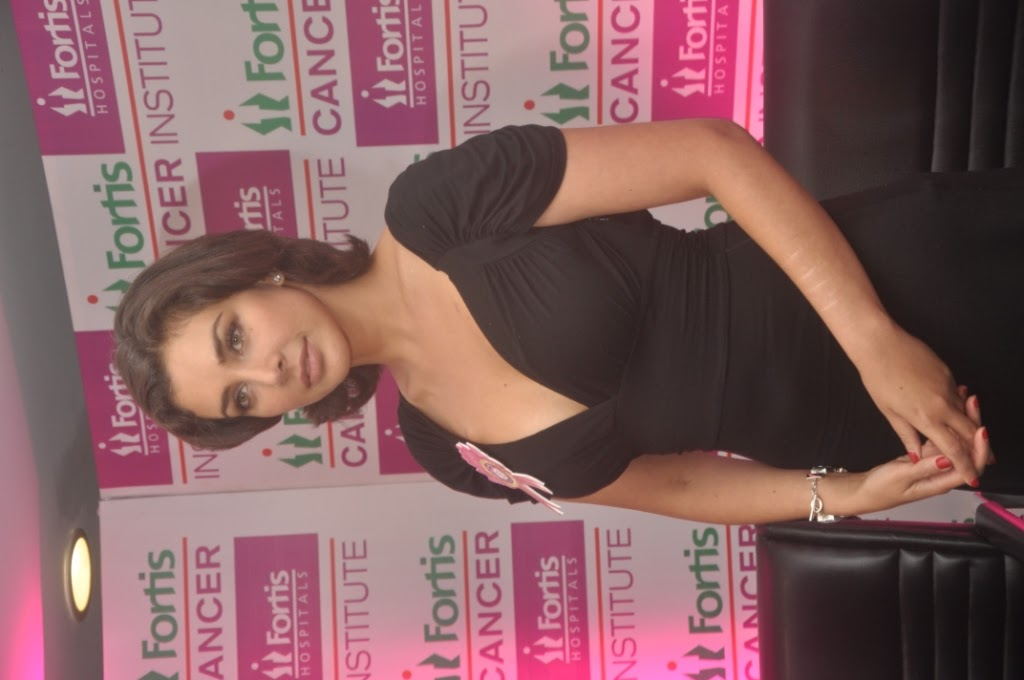  Lisa Ray  -  Lisa Ray Recent Pics from Cancer Event