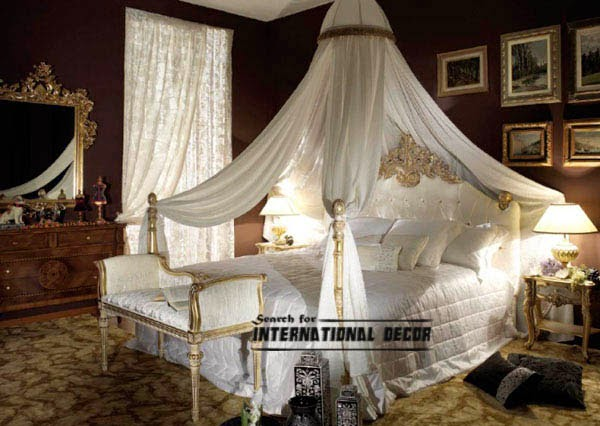 Four Poster Bed with Canopy