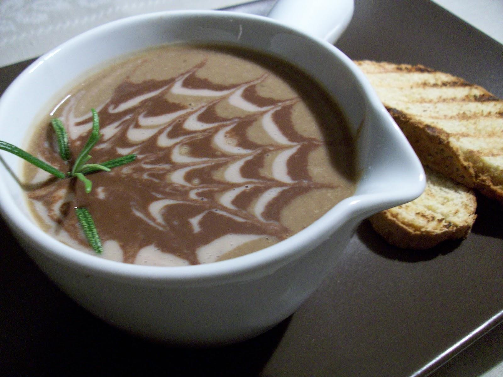 La valigia sul letto crema di lenticchie castagne e cacao e pane al rosmarino con farina di ceci - Lenticchie a bagno ...