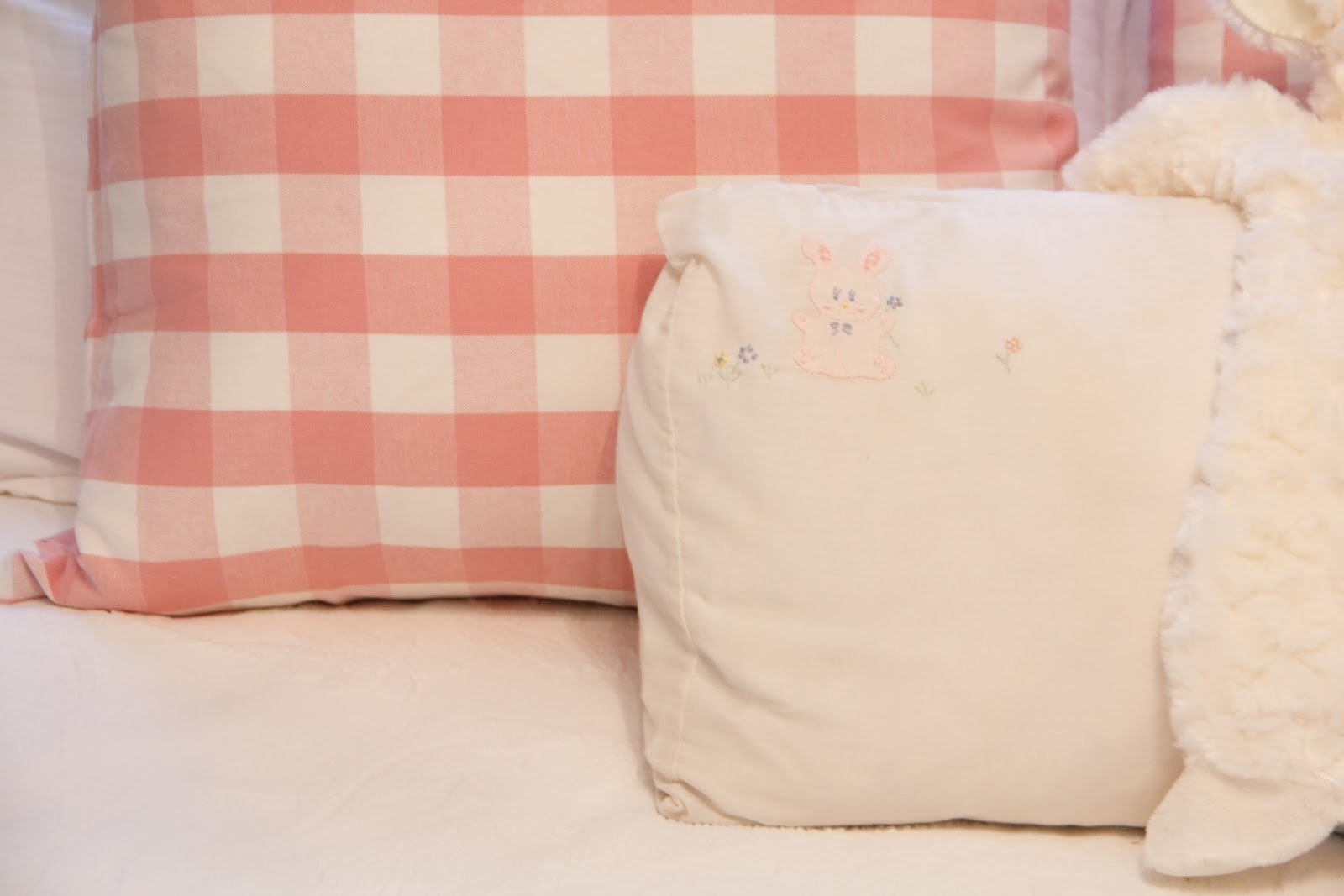 Baby cribs on craigslist - Pillows From Ikea Bunny Pillowcase Via If Anyone Knows I Will Pay A Finders Fee I Have The Matching Baby Blanket That I Still Sleep With