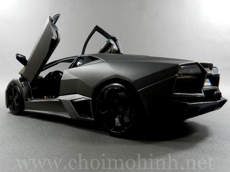 Lamborghini Reventón 1:18 bBurago door