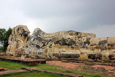 Bouddha couché d'Ayutthaya - Wat Lokayasutharam