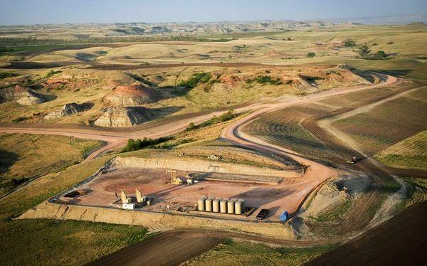 Bakken oil shipments down