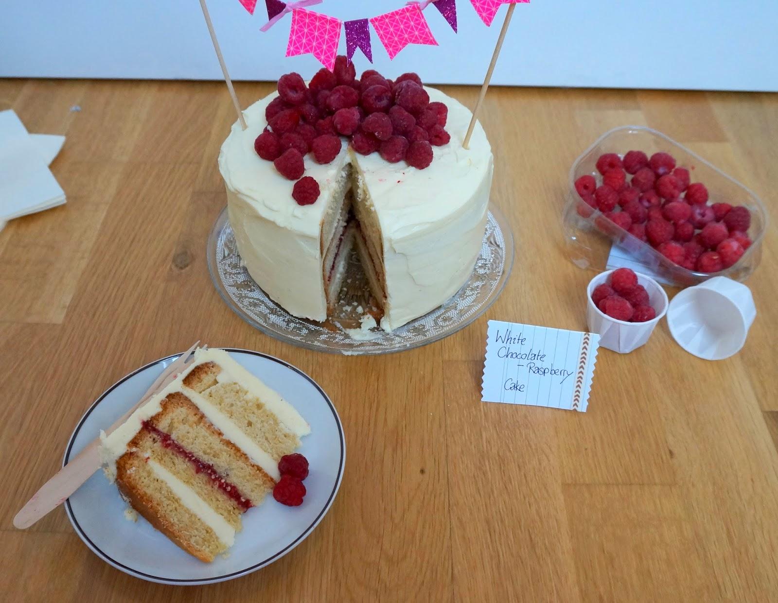 Cake with white Chocolate and raspberries, Himbeertorte mit weißer Schokolade