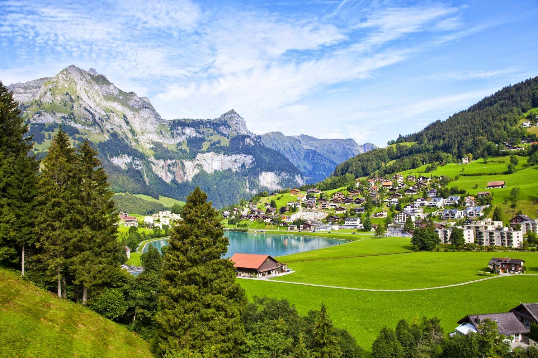 بلدة انغيلبرغ الساحرة في سويسرا