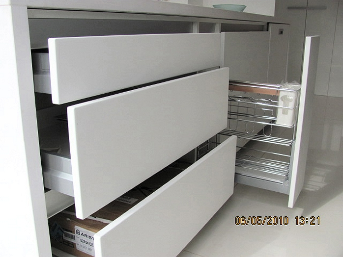 Amobla tu cocina muebles de cocina for Planos de bajo mesada de melamina