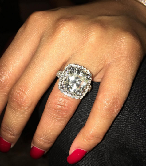 Sweet Pikin Nicki Minaj Gets Huge Diamond Ring From Meek Mill For 33rd Birth
