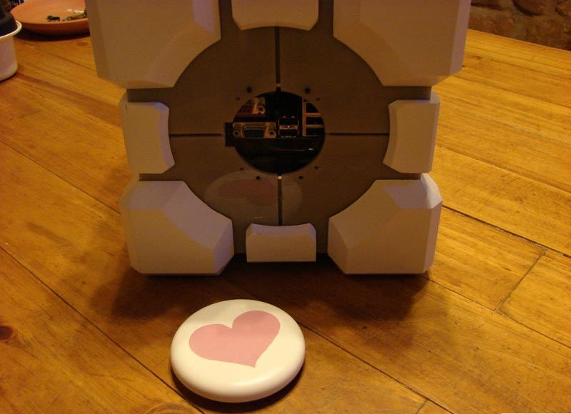 Weighted companion cube porn