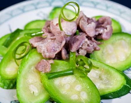 Fried Veal with Smooth Luffa - Thịt Bê Xào Mướp