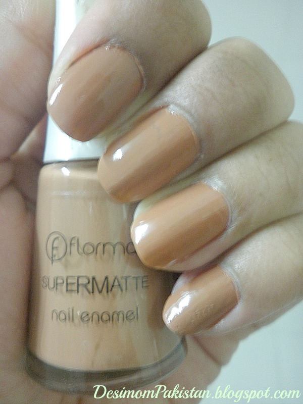 FLORMAR SUPER MATTE NAIL ENAMEL IN M105 swatch