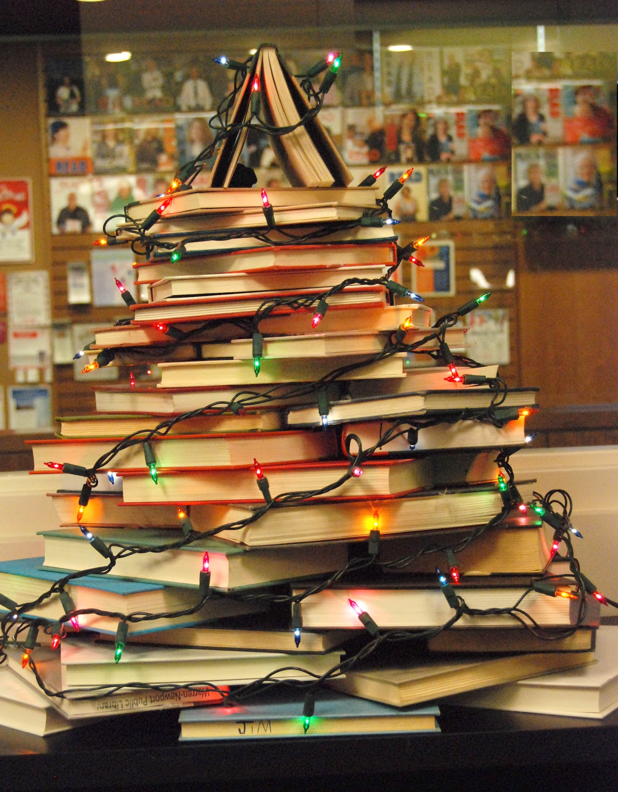 Very merry vintage syle how to make a christmas tree with for Christmas tree made from old books