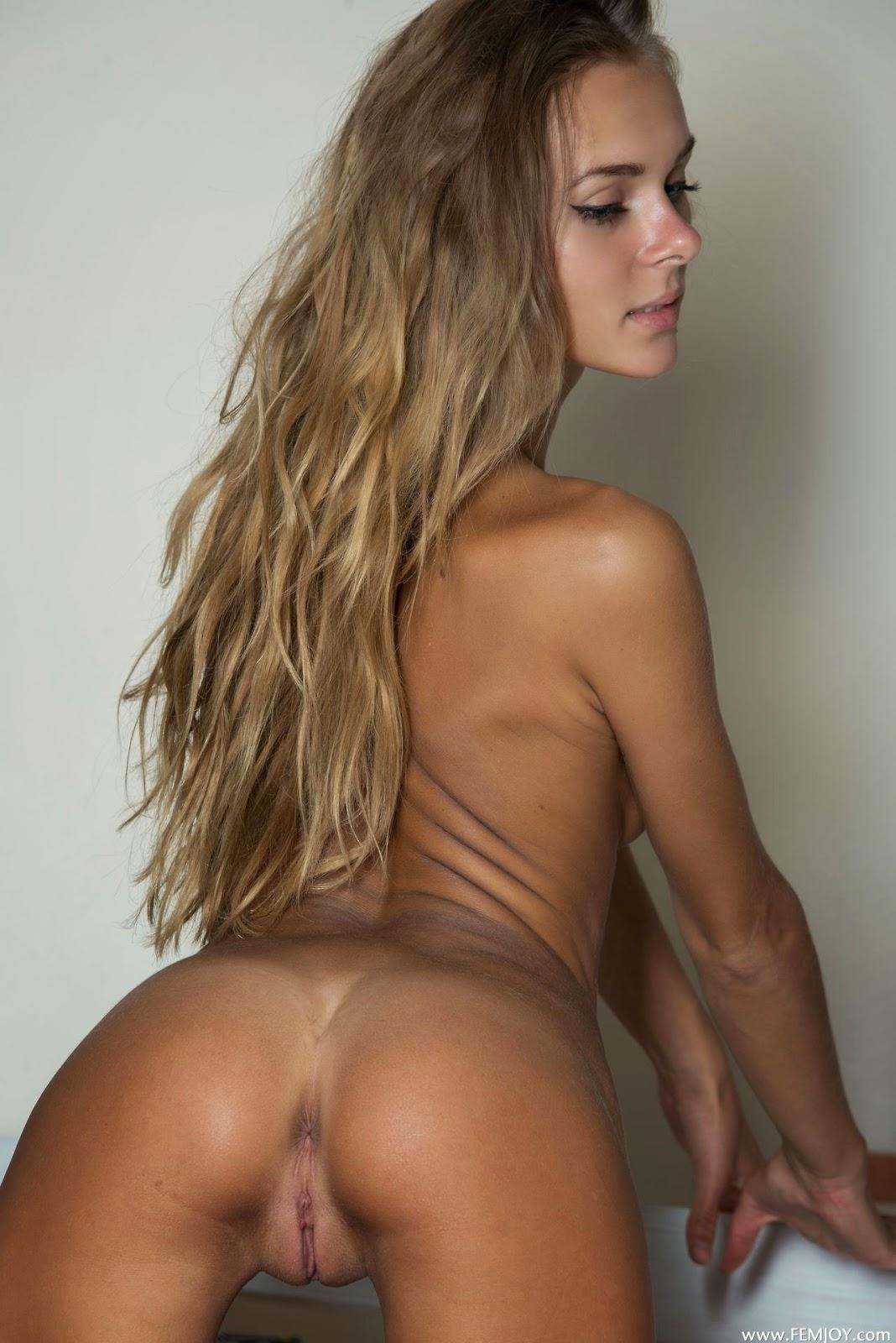 Nude nackt lafee