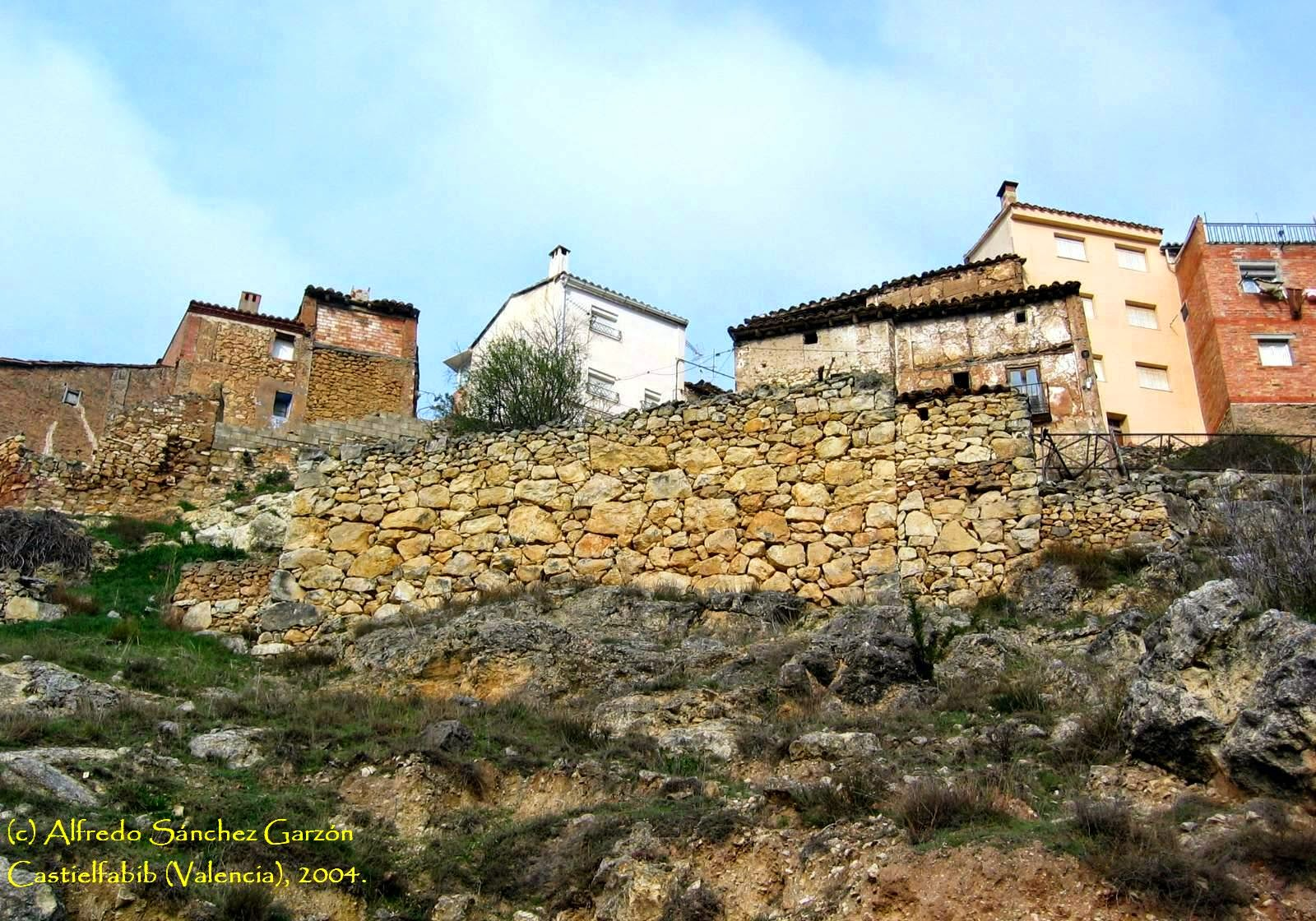 castielfabib-caserio-murallas
