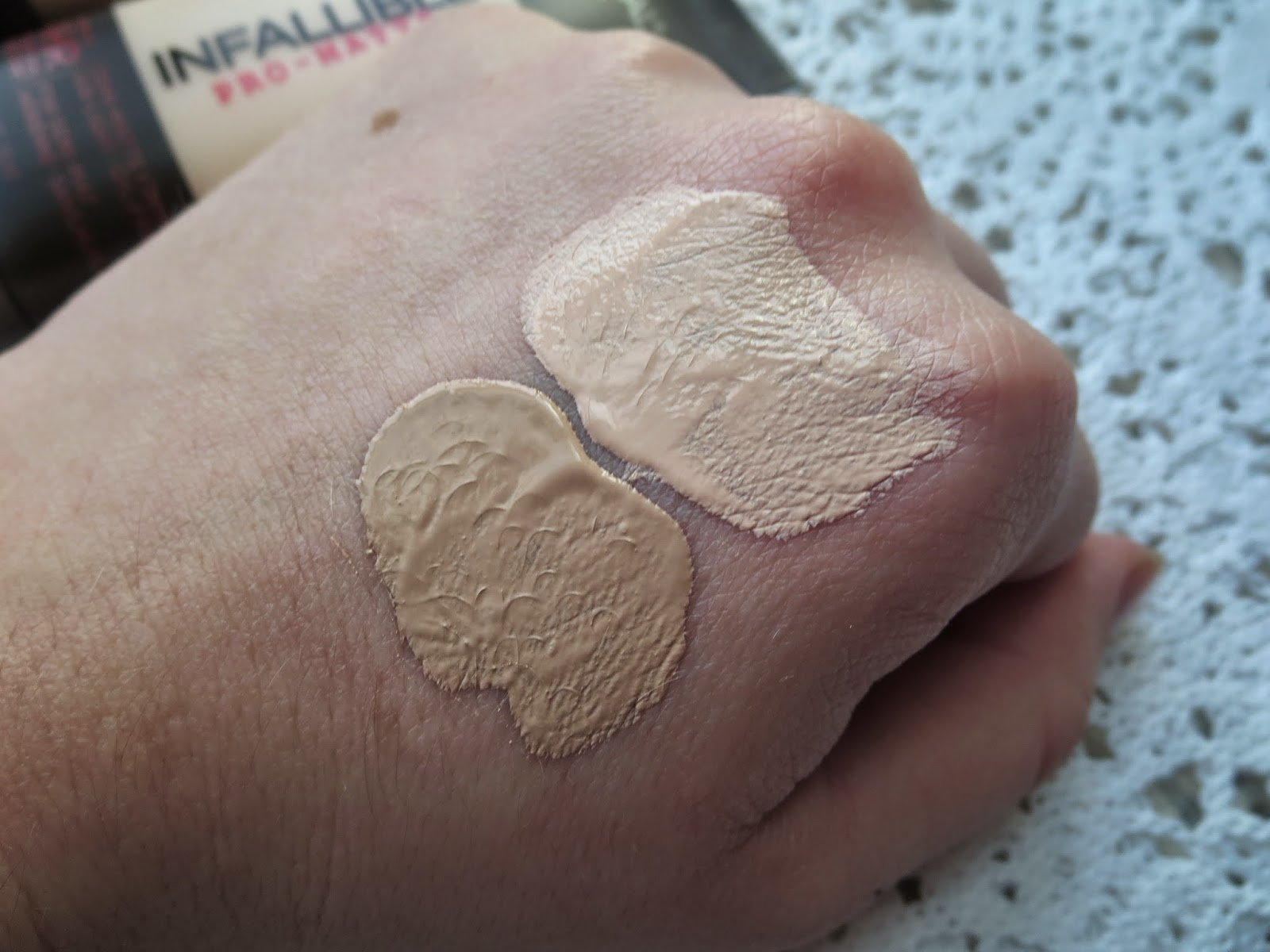 Product Review Loreal Infallible Pro Matte Foundation Blossom 24hr A Picture Of Swatch 102 Shell Beige