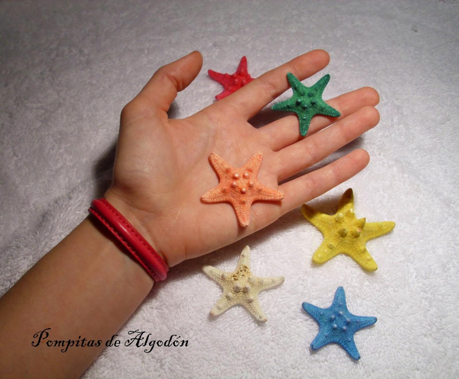 la segunda es una pulsera de cuero en principio es para chico pero puede ser unisex la verdad es que me gusta porque es sencilla