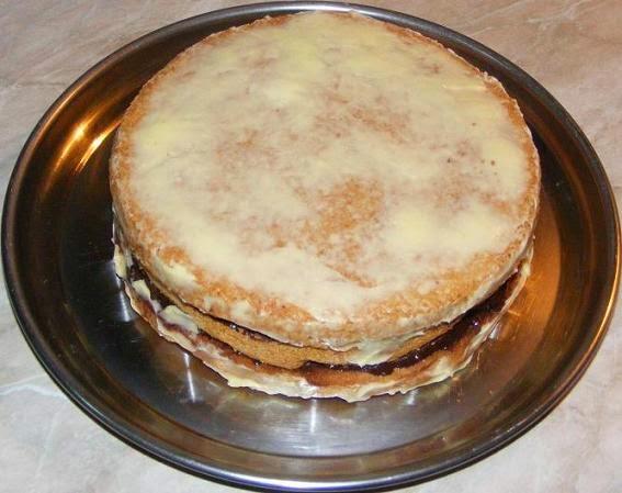 ornare tort cu martipan, ornare torturi cu martipan, ornare tort, ornare torturi cu crema de cacao, ornare tort cu crema de ciocolata, retete si preparate culinare ornare torturi de casa cu crema si martipan,