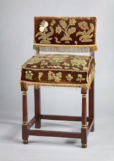 Fartinghale-chair sedia metà del anno Settecento con spalliera e schienale imbottiti