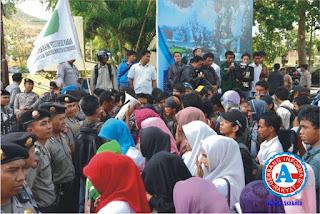 Konflik di Bima, Gubernur Jadi Sasaran Aksi Demonstrasi