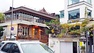 Beautiful Samcheongdong cafe street in Autumn | www.meheartseoul.blogspot.sg