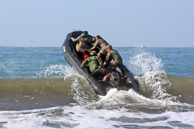 Pasukan Marinir Indonesia dan Amerika Serikat