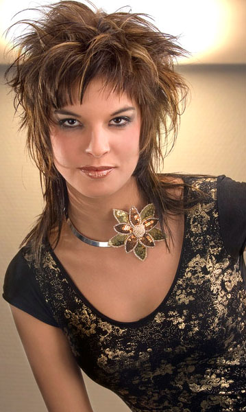 CUTE MEDIUM HAIRCUTS: SHORT FUNKY HAIRSTYLES: COLOR RICH AND BOLD