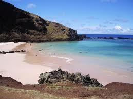 Una Playa en medio de Isla de Pascua