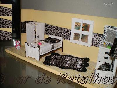Arte Manual em miniatura. Vista lateral do quarto feminino.